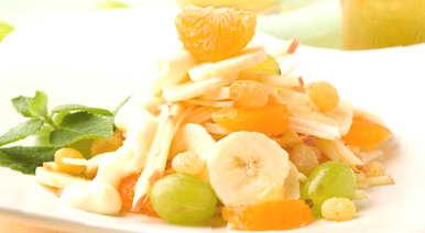 Салат банан яблоко мандарин